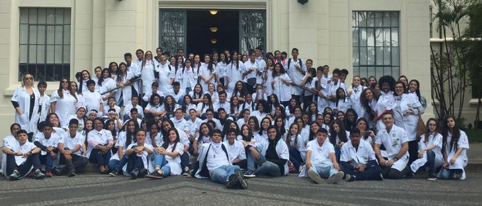 Visita à Faculdade de Medicina da USP - um marco emocional para os 120 alunos e 16 professores das Escolas Municipais de Santos, realizada no dia 11/09/2018
